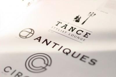 ANTIQUES ロゴ